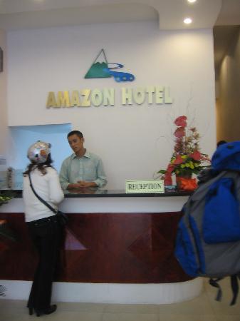 Amazon Hotel: Reception Desk