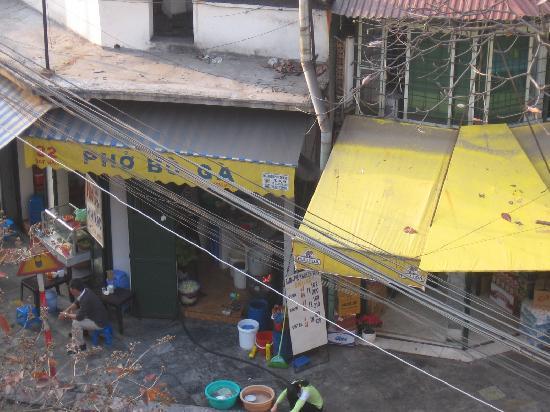 Amazon Hotel: Pho Bo -Across the street