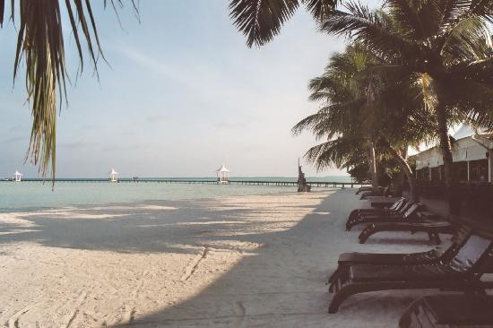 Cinnamon Hakuraa Huraa Maldives: superbe plage et marées