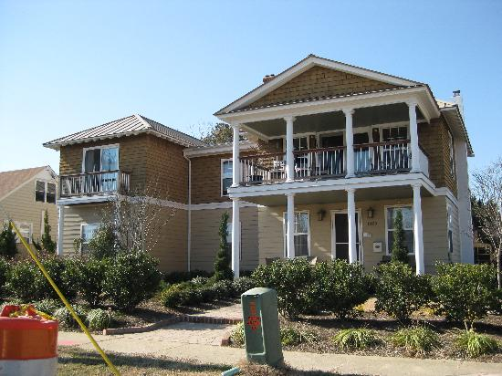 Front of B&B - Picture of Beach Spa Bed and Breakfast