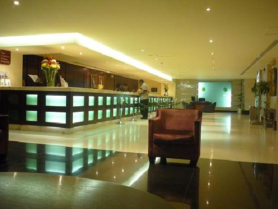 Anwar Al Madinah Movenpick Hotel : Lobby