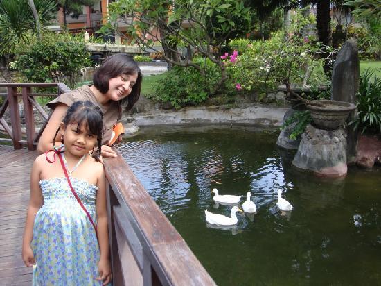 Bali Dynasty Resort: in front of hotel