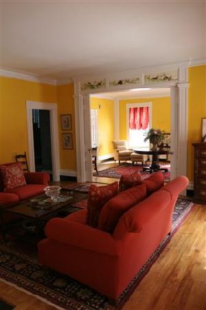 Brambles Inn and Gardens: formal living rooms
