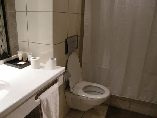Laico El Farouk Hotel: bathroom