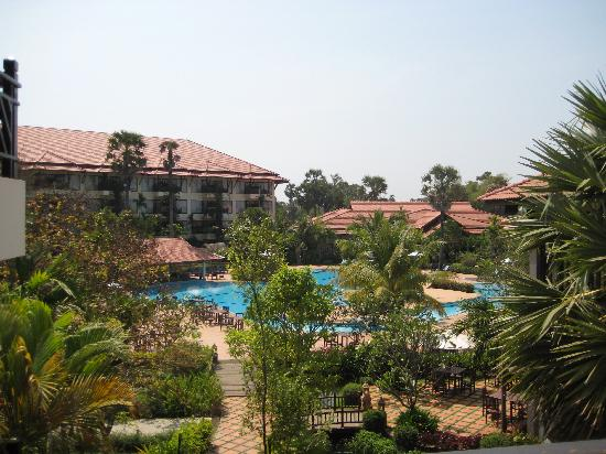 Angkor Palace Resort & Spa: Main resort grounds