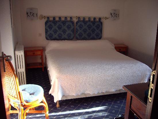 Hotel Ohartzia : room