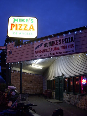 Mike's Pizza: Mike's