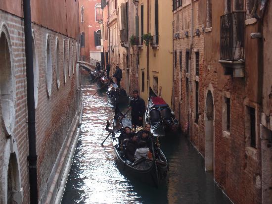 Alloggi Gerotto Calderan: Hermosas gondolas en Venezia!!!!!