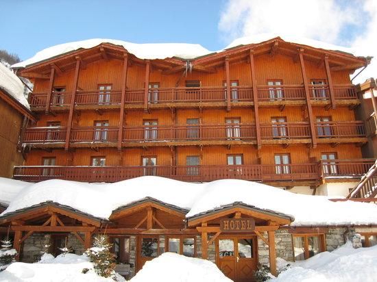 Langley Hotel La Forêt : Front of hotel