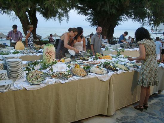 Agia Marina, Yunani: cena greca