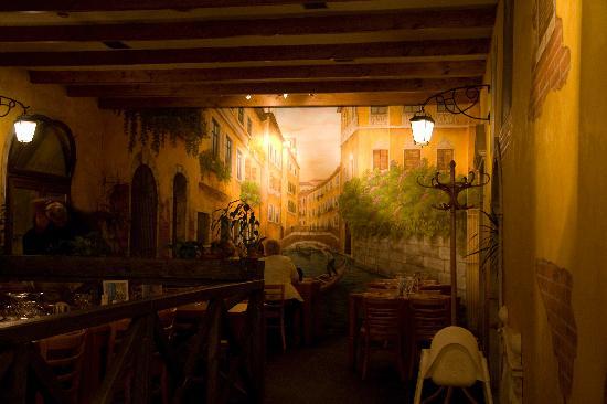 Pizzeria Venezia Inside 2