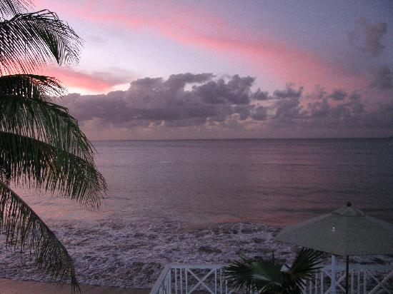 Villa Beach Cottages : Beautiful Sunsets right from your veranda or balcony