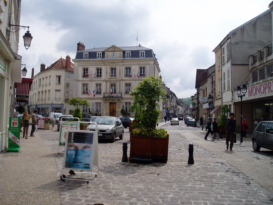 อิล-เดอ-ฟรองซ์, ฝรั่งเศส: 町の中心部
