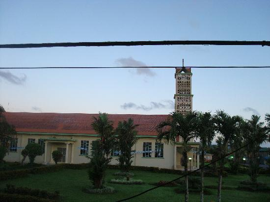 Hotel Arenal Carmela: View of the church across the street.