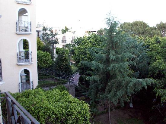 Ixtapan de la Sal Marriott Hotel, Spa & Convention Center: Balcony View of the gardens at Marriott Ixtapan