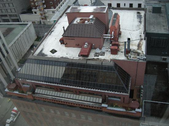 Kimpton Hotel Vintage Portland: Top Down view of the Vintage Plaza