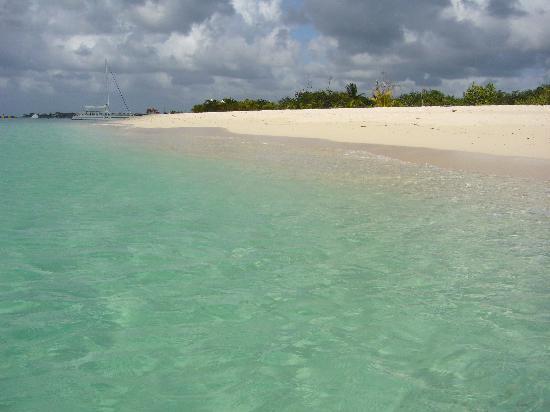 Villablanca Garden Beach Hotel: calm and beautiful beaches