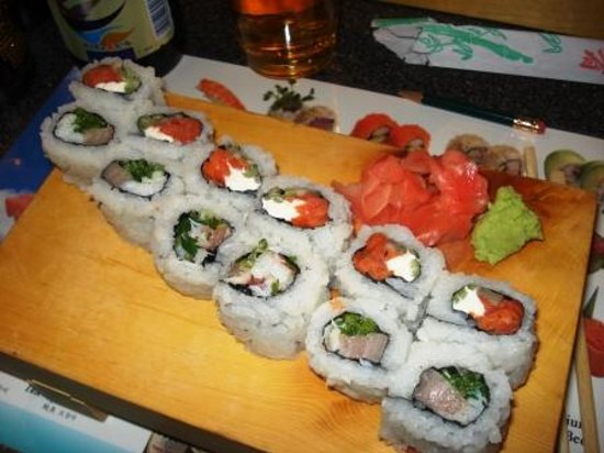 Sushi Ya: Phily and Willamette rolls