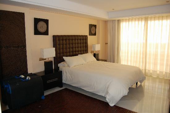 Marina Mariola Marbella : the master bedroom