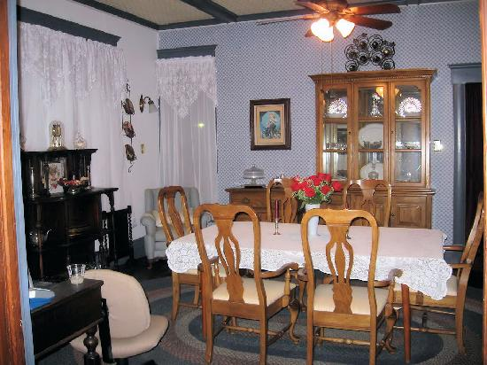 Hattie May Inn: Dining Room