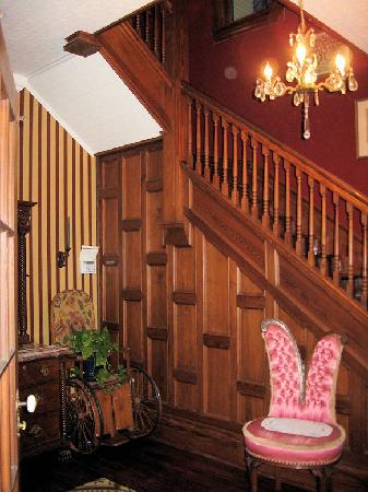 Hattie May Inn: Entryway