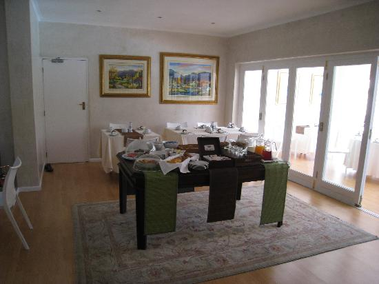 Wild Olive Guest House: Dining/breakfast room
