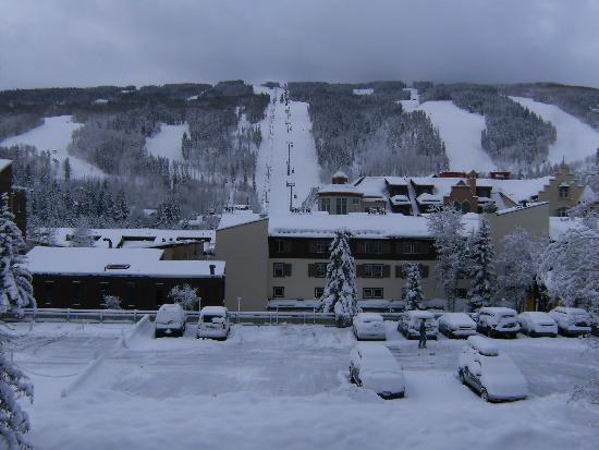 Vail Run Resort : View of slopes from condo