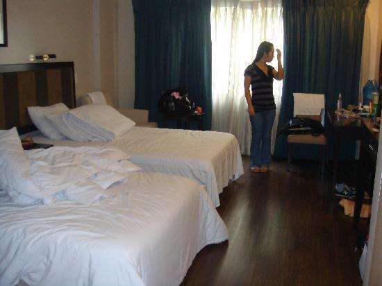 Baguio Burnham Suites Hotel : Burnham Suites Twin Room