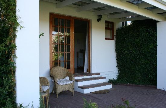 Yotclub B&B: outside view and terrace room 5
