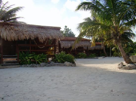 Capricorn Resort: The Three Cabanas