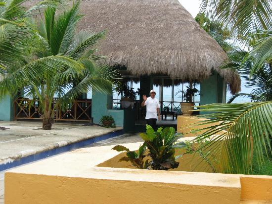 Hacienda Punta Sam: Bar-palapa by pool