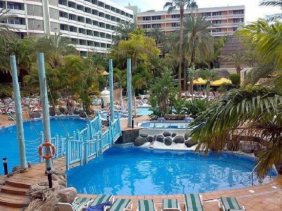 Yo en piscina fotograf a de ifa buenaventura hotel playa for Piscina playa del ingles