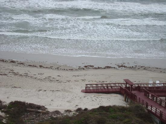 Sea Gull Condominiums: the boardwalk to the beach
