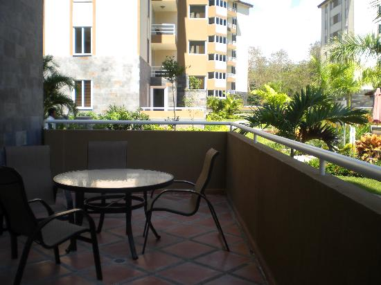 Costa Linda Condominiums: First floor patio