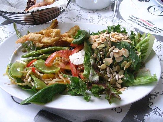 Salad Bar Offerings at La O