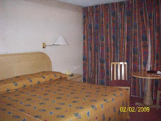 Hotel Del Angel: habitacion