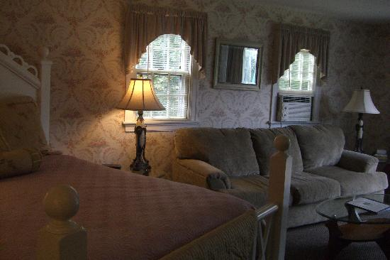 Lamb and Lion Inn: our bedroom