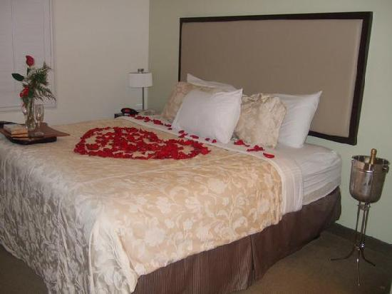 Hawthorn Suites by Wyndham Victorville: Very Comfortable bed