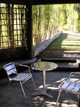 Leigh Sawmill Cafe and Accommodation : porch