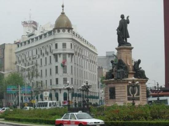 Mon a Cristobal Colon & the Imperial Hotel