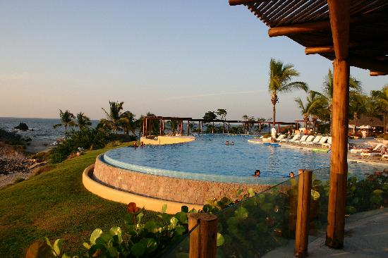 Four Seasons Resort Punta Mita: main pool