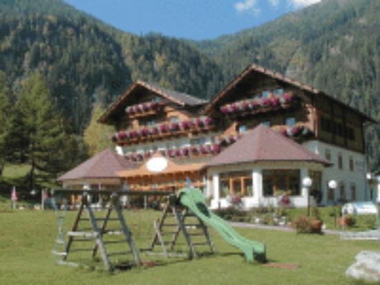 Alpenhotel Badmeister: Hidden Gem near the Molltaller Glacier Resort
