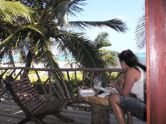 Ak'bol Yoga Retreat & Eco-Resort: Enjoying the view during lunch on the porch