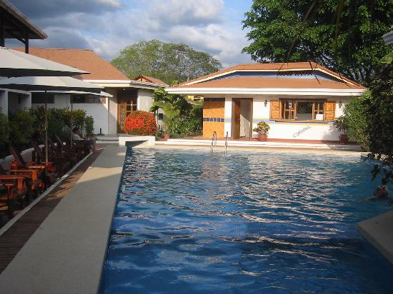 Hotel Samara Pacific Lodge: pool