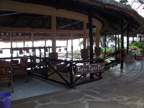 Baobab Beach Resort & Spa: baobab bar