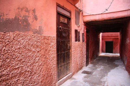 Riad Johenna: The entrance door