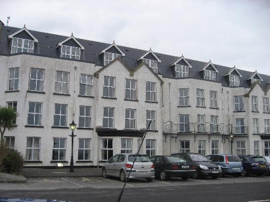 Yeats Country Hotel, Spa and Leisure Centre: outside hotel