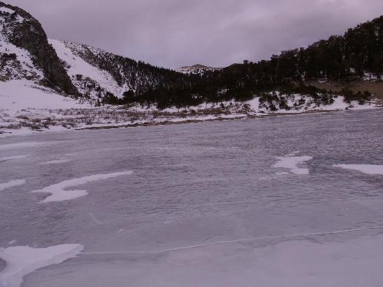 Colorado: view of frozen lake
