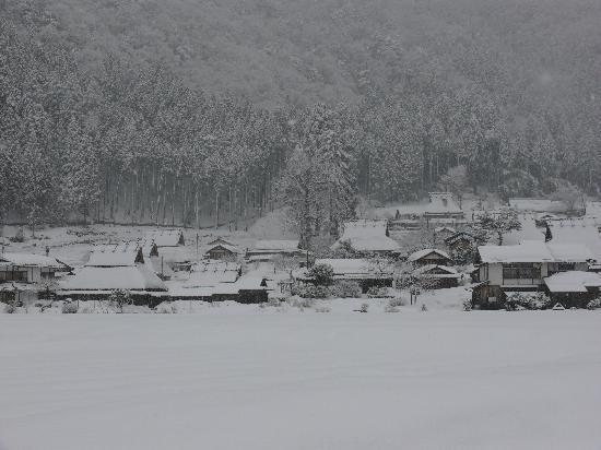 Nantan Japan  city pictures gallery : Nantan, Japan: 雪の中の集落1
