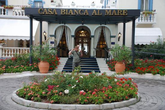 Hotel Casa Bianca al Mare: Der Eingang